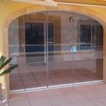 Detalle de cortina de cristal Seeglass con cerradura inox de petaca