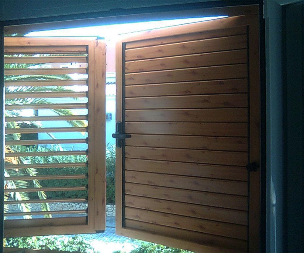 Ventanas y puertas mallorquinas abatibles de lamas fijas o - Puertas mallorquinas ...