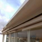 Detall de la coberta fixa de panel autoportant 52 mm alumini blanc