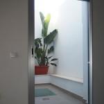 Porta corredissa embotida dins de la paret