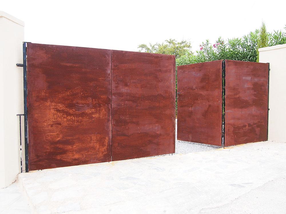 Hierro oxidado acabado final escalera puertas y decoraci n for Decoracion para pared en hierro