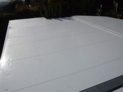 Cubierta con panel aislante de aluminio de 52mm lacado blanco