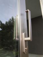 Detall manilleta de corredissa elevable lacat inox