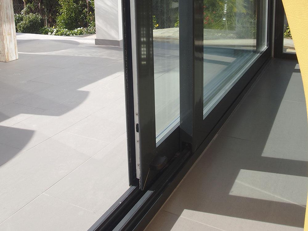 Casa bacallar casa de obra nueva con los mejores materiales - Puerta corredera de aluminio ...